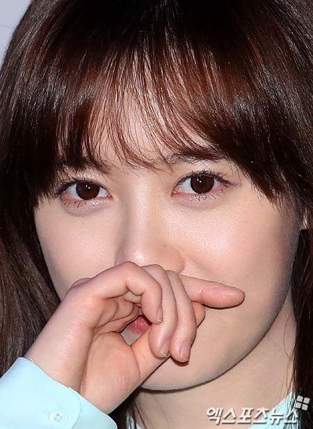 2013-02-25 Koo Hye Sun extreno de  Touch of Light 07