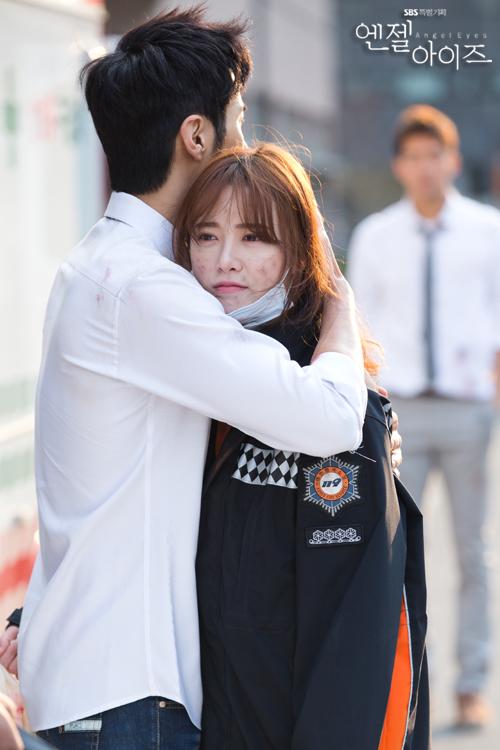 2014-04-24 Fotos oficiales Koo Hye Sun-Angel eyes 04