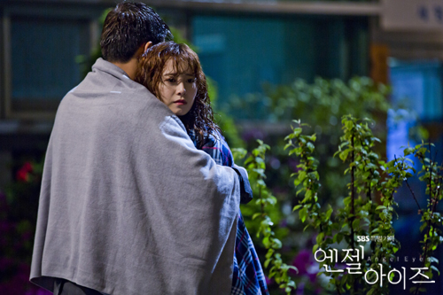 2014-05-13 Fotos oficiales Koo Hye Sun-Angel eyes 17